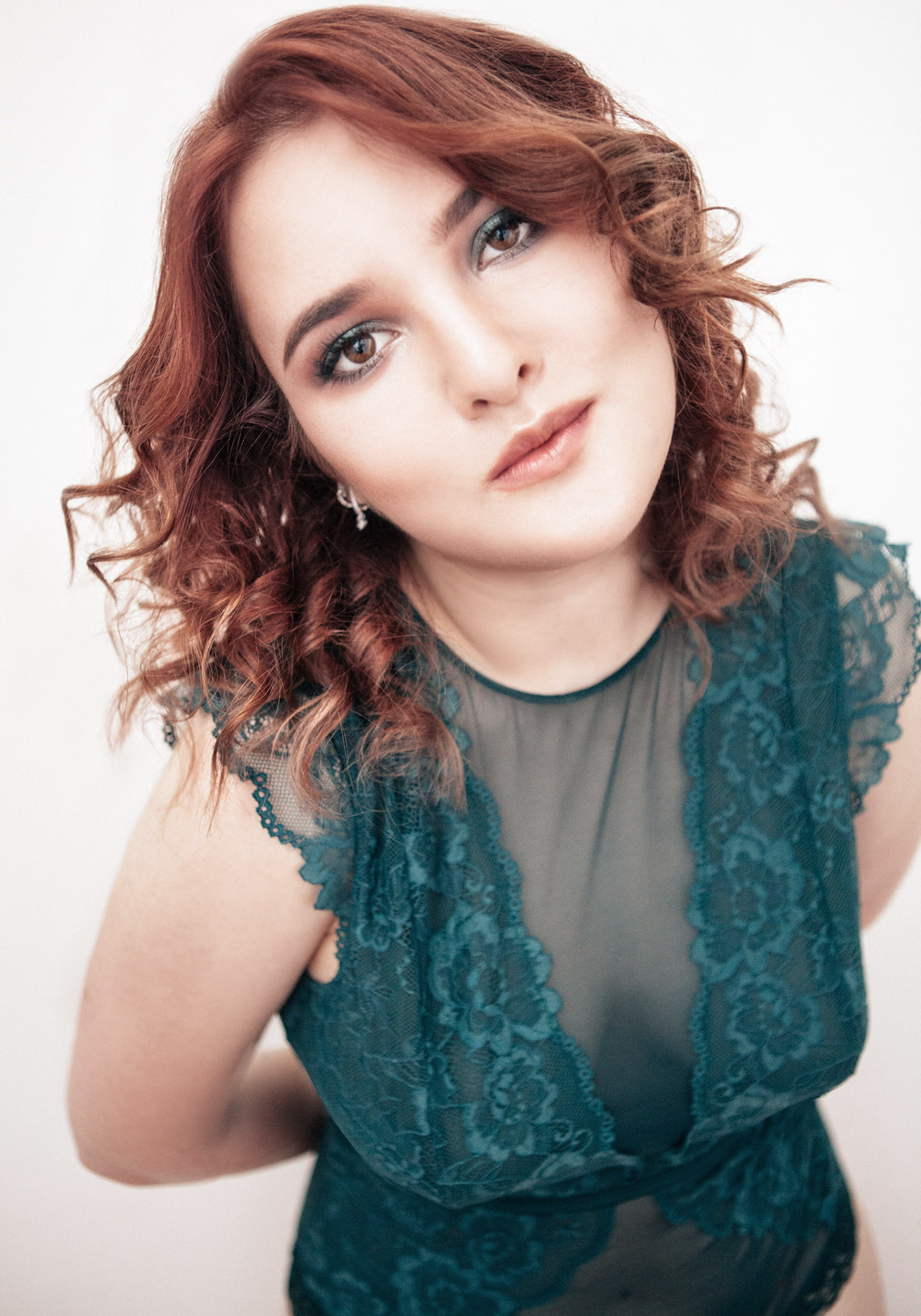 Portrait by photographer Vanessa Wozcniaki. Vanessa Woz Photography